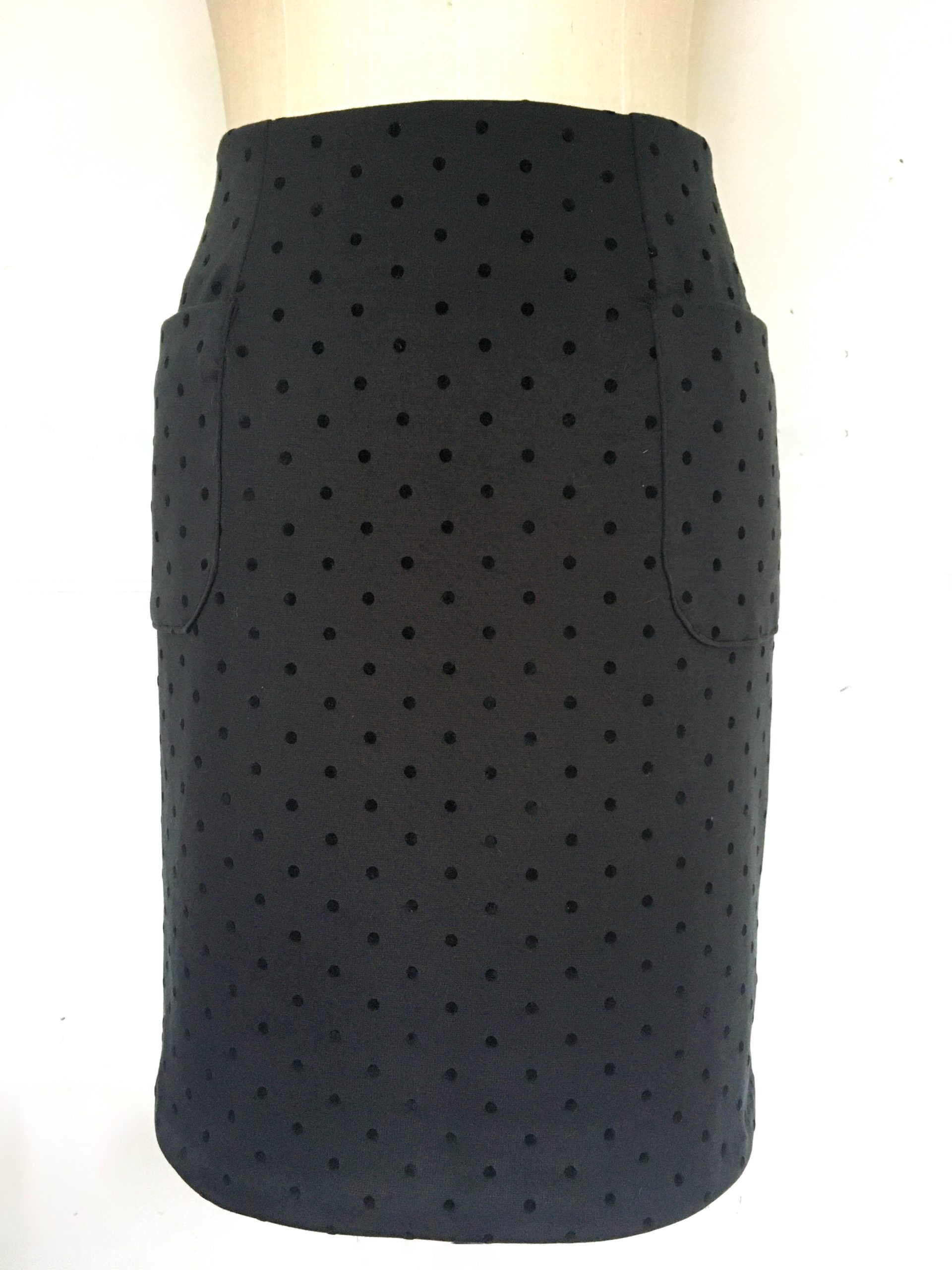 Black pencil skirt (spotted jersey)